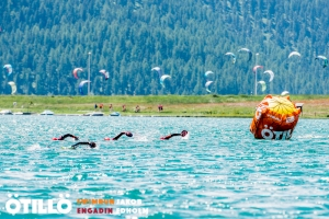 Swimmers and kite surfers (in different lakes!)