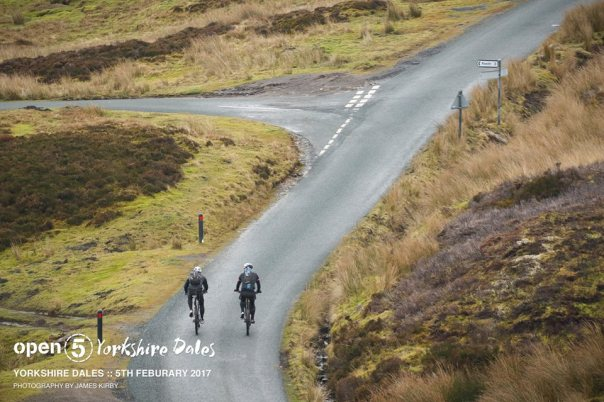 One of the many steep roads. Reeth 3 miles ... but we did not go that way!