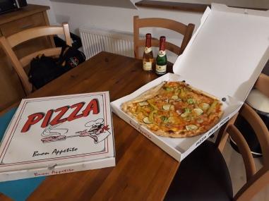 Pizzaaaaa! Post race nosh